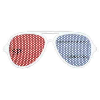 el seth perfora las gafas de sol