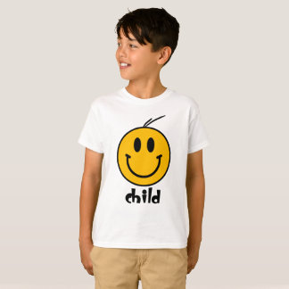 El smiley embroma la camiseta de los pares de la