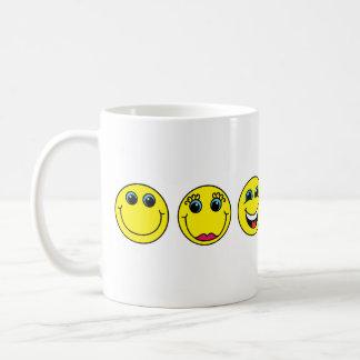 El smiley hace frente a caracteres taza de café