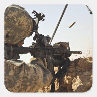 el soldado dedica enemigo de fuerza pegatina cuadrada