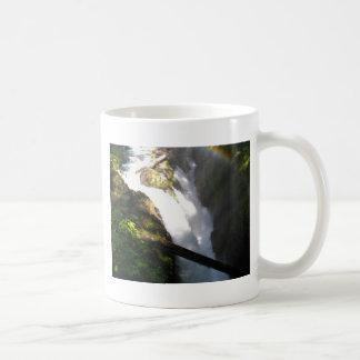 El solenoide Duc cae taza de café olímpica del