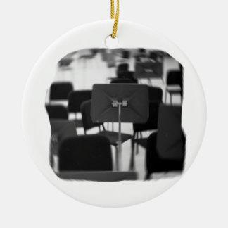 El soporte de música en sillas hace girar diseño m ornamentos para reyes magos