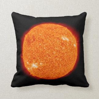 El Sun de ebullición Cojín Decorativo