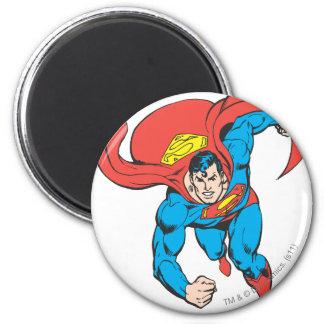 El superhombre corre adelante imán redondo 5 cm