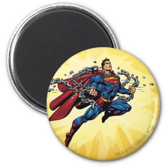El superhombre rompe cadenas imán redondo 5 cm