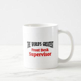 El supervisor más grande del mostrador taza básica blanca