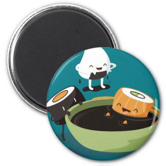 El sushi disfruta de tiempo del baño imán redondo 5 cm