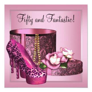 El tacón alto calza cumpleaños del leopardo rosado invitación 13,3 cm x 13,3cm