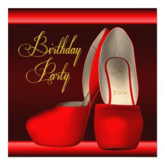 El tacón alto rojo del oro negro calza a la fiesta invitación 13,3 cm x 13,3cm