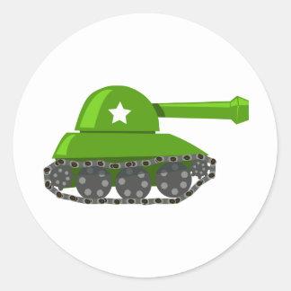 El tanque lindo del dibujo animado pegatina redonda