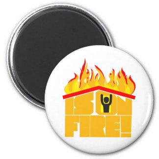 El tejado está en logotipo del fuego imanes