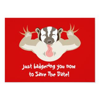 El tejón que acosa ahorra la fecha invitación 12,7 x 17,8 cm
