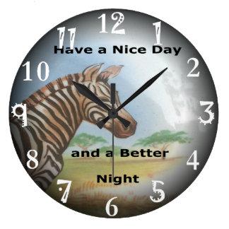 El tener de la cebra y día agradable y una mejor reloj redondo grande