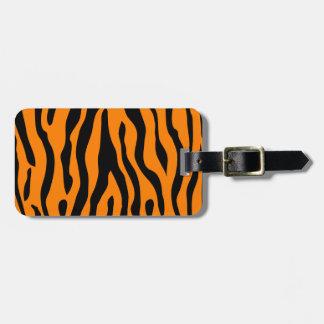 ¡El tigre rayó la etiqueta del equipaje - llamada