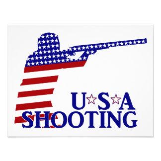 El tirar de los E E U U rifle blanco y azul rojo