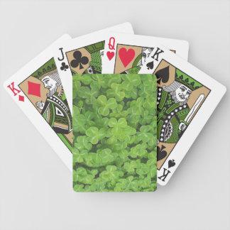 El trébol coloca naipes barajas de cartas
