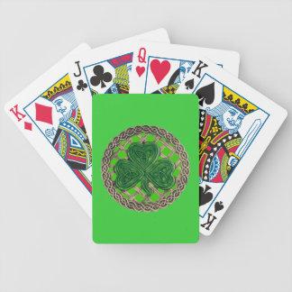 El trébol verde en Celtic anuda naipes Cartas De Juego