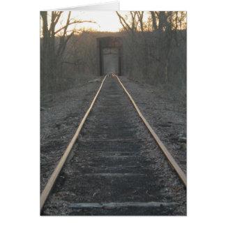 El tren sigue la tarjeta de felicitación