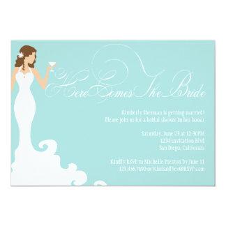 El trullo elegante aquí viene la novia que la invitación 12,7 x 17,8 cm
