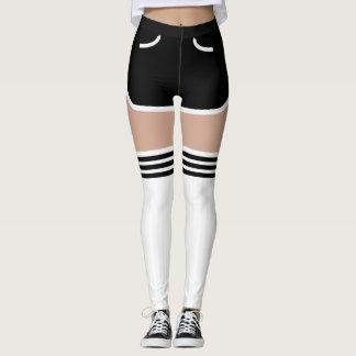El tubo retro negro de los pantalones cortos OTK
