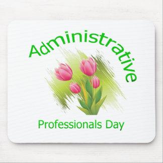 El tulipán florece día administrativo de los profe alfombrilla de raton