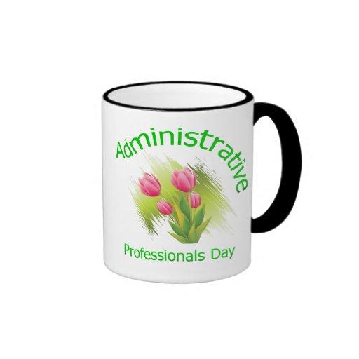 El tulipán florece día administrativo de los profe taza de café
