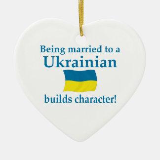 El ucraniano construye el carácter ornamentos para reyes magos
