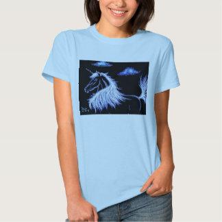 el unicornio soña el azul camiseta