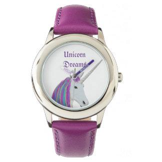 El unicornio soña el reloj