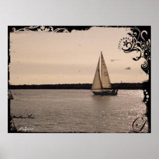 El velero del vintage dirigió hacia fuera al mar - póster