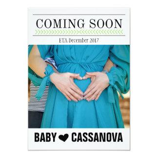 El venir pronto invitación de la foto del embarazo