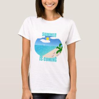 El verano está viniendo camiseta