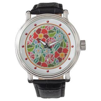El verano florece el reloj retro del bordado