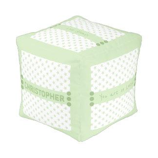 El verde personalizado protagoniza al bebé pouf