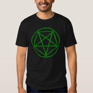 El verde se descoloró camiseta satánica del