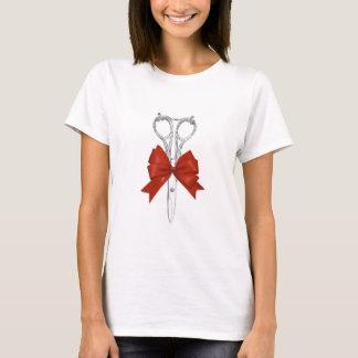 El vintage del estilista Scissor y arco rojo Camiseta