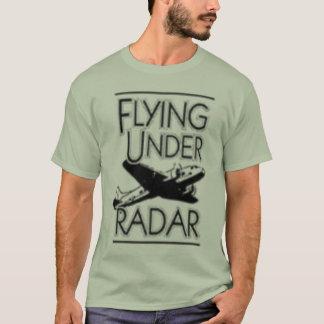 el volar bajo logotipo del radar camiseta
