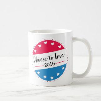 El voto elige amar taza de café