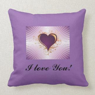 El Zazzle-Amor es almohada de lujo de Purple Heart