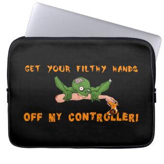 El zombi consigue sus manos de mi regulador funda para portátil