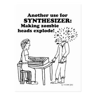 El zombi del sintetizador estalla postal