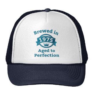 Elaborado cerveza envejecido en 1975 a la gorras de camionero