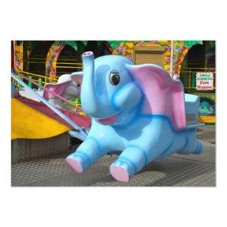 Elefante azul en una invitación de la feria de