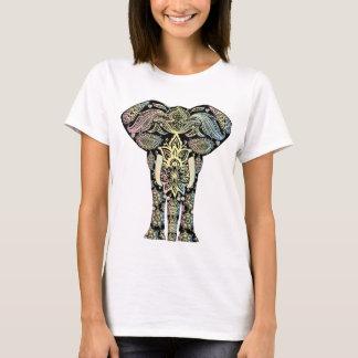 elefante bohemio camiseta