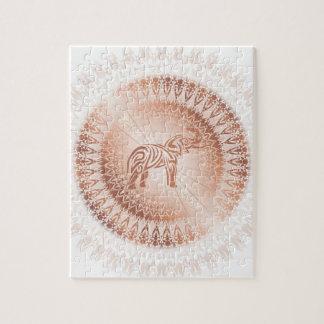 Elefante color de rosa de la mandala del oro puzzle
