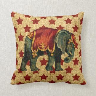 Elefante del circo del vintage en las estrellas cojín decorativo
