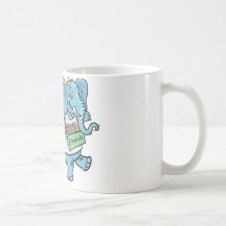 Elefante del circo que vende los cacahuetes taza de café