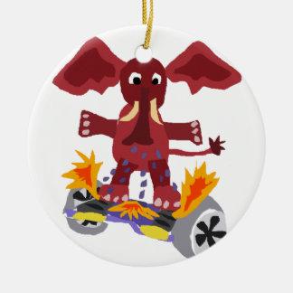 Elefante divertido en el dibujo animado de adorno navideño redondo de cerámica
