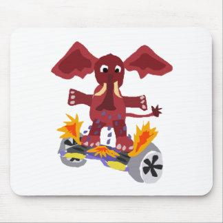 Elefante divertido en el dibujo animado de alfombrilla de ratón