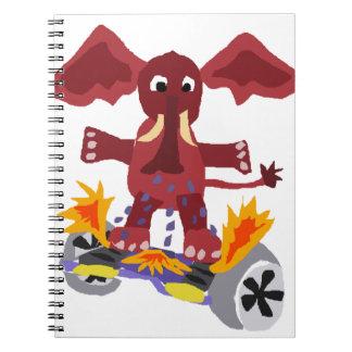 Elefante divertido en el dibujo animado de libros de apuntes